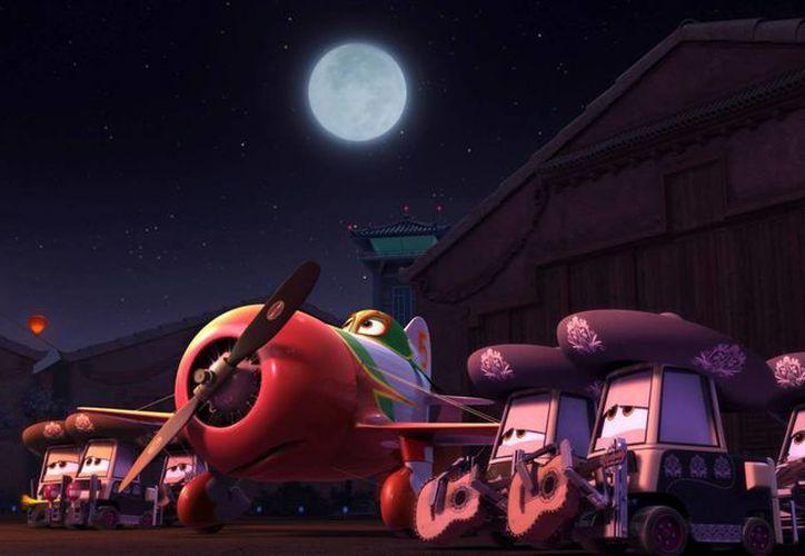 """""""El Chupacabra"""" es un aeroplano modelo Gee Bee, que es romántico y amigo fiel. (Facebook oficial)"""