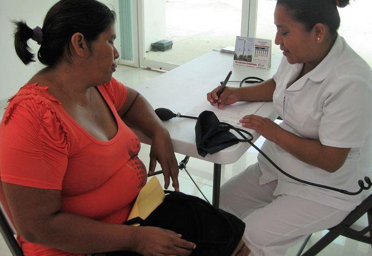 Muchos pacientes no cuentan con la información suficiente sobre la enfermedad y por ende, desconocen la forma correcta de alimentarse. (Javier Ortiz/SIPSE)