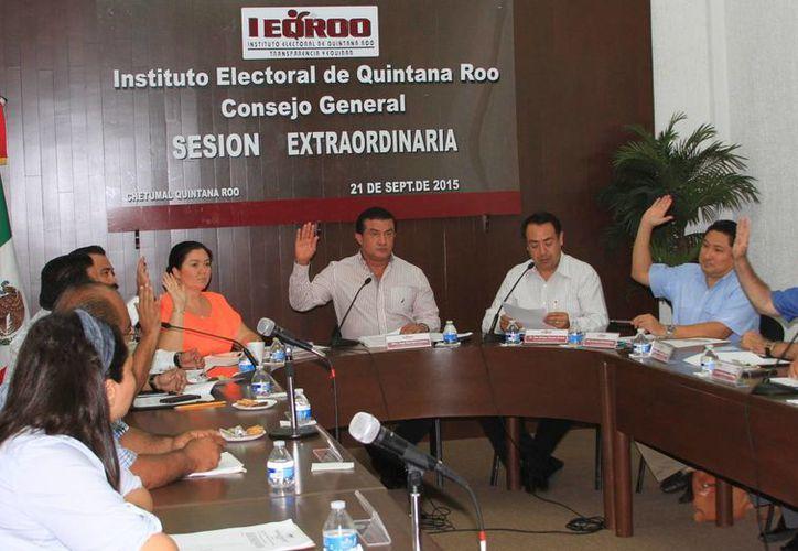 Personal del Ieqroo viajará mañana a la Ciudad de México para plantear y defender con argumentos cada uno de los puntos señalados. (Ángel Castilla/SIPSE)