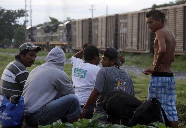 Según diferentes estimaciones, hasta 400 mil indocumentados de Estados centroamericanos entran en México anualmente en su camino hacia EU. (Archivo/Notimex)