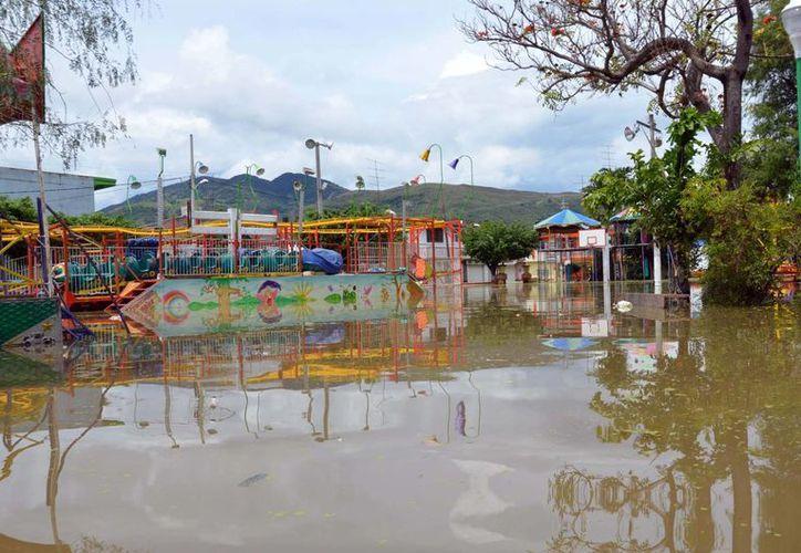 Las lluvias dejaron bajo el agua a varias comunidades del país. La imagen corresponde al estado de Guerrero. (Notimex)