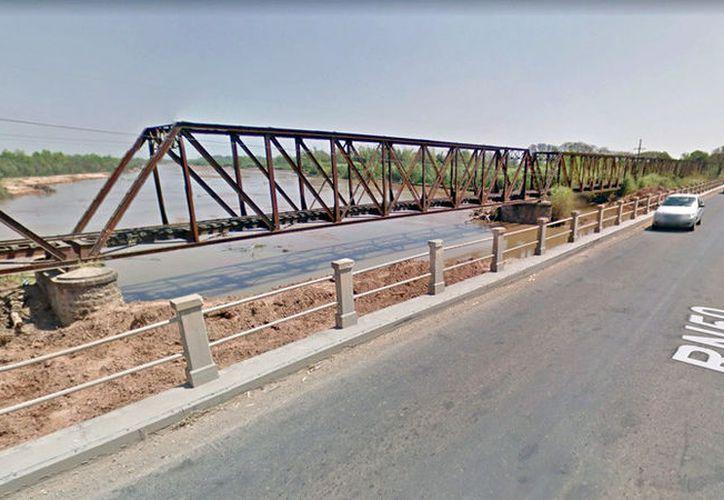 El puente fue construido originalmente en 1915, pero fue reconstruido en fechas recientes. (RT)