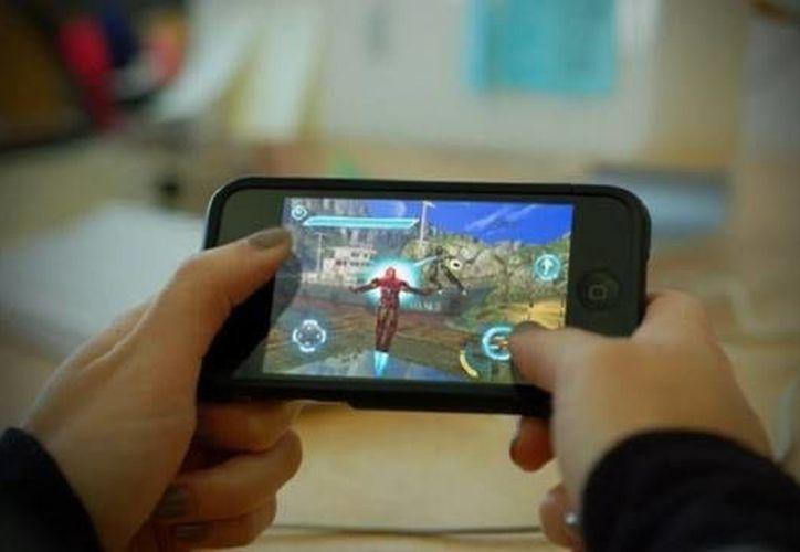 En México existe una demanda de  28.4 millones de usuarios que utilizan sus smartphones como dispositivo de juego. (juegosdb.com)