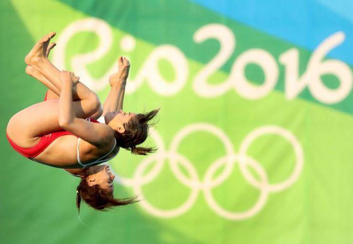 Alejandra Orozco y Paola Espinosa terminaron este miércoles sextas en la final olímpica de clavados sincronizados desde la plataforma de 10 metros. El dúo era una esperanza de medalla para México. (Notimex)