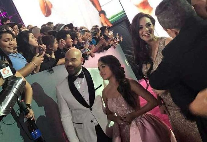 Rubí asistió a la entrega de los Premios Lo Nuestro. (Facebook/ Univisión)