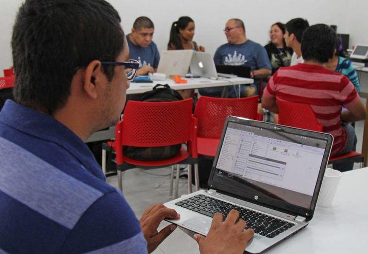 El sábado se realizó en Cancún la quinta edición de la Flisol. (Jesús Tijerina/SIPSE)