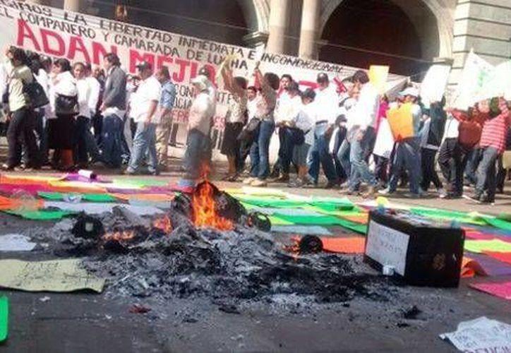 Los sindicalizados exigieron la renuncia de su líder Noé Cruz Pinacho. (Foto: Óscar Rodríguez/Milenio)