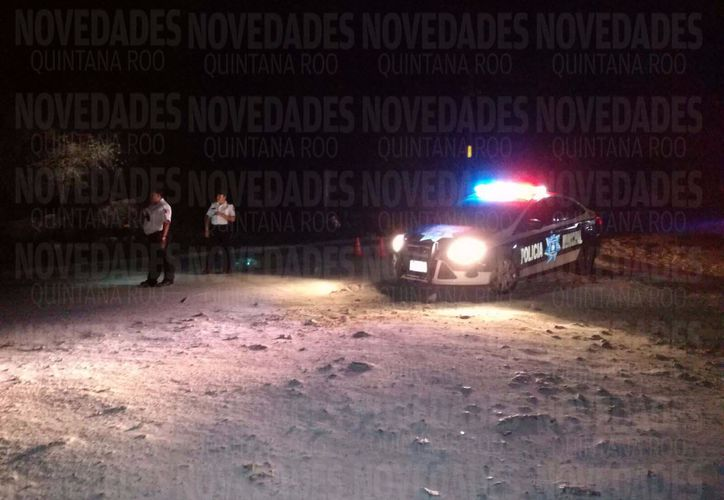 El acceso a la cárcel de Playa del Carmen fue cerrado tras el reporte de una riña, esta noche. (Octavio Martínjez/SIPSE)