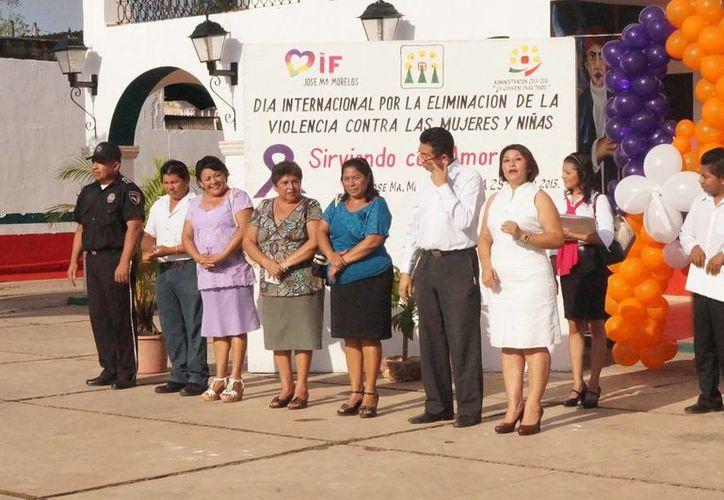 Durante la ceremonia estuvieron presentes funcionarios y regidores de la Comuna. (Cortesía/SIPSE)