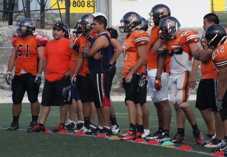 Los equipos que tienen el control en la cúspide de la tabla son los Auténticos Tigres y Águilas UACH. (Raúl Caballero/SIPSE)