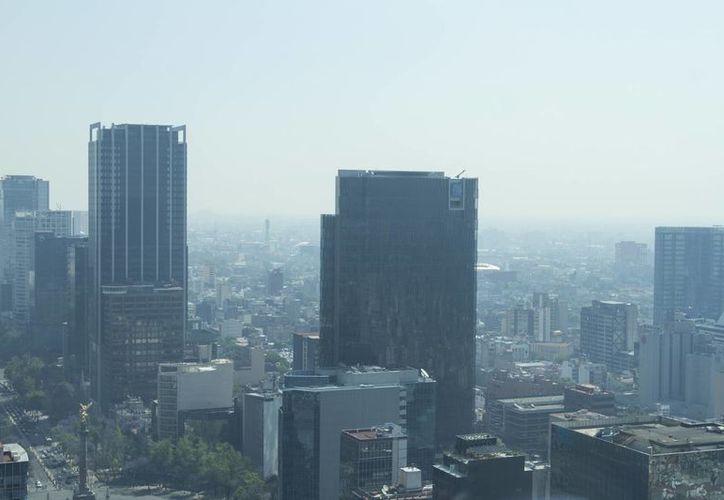 Las autoridades indican que no existen condiciones favorables para la dispersión de contaminantes debido a fenómenos climáticos. (Notimex)
