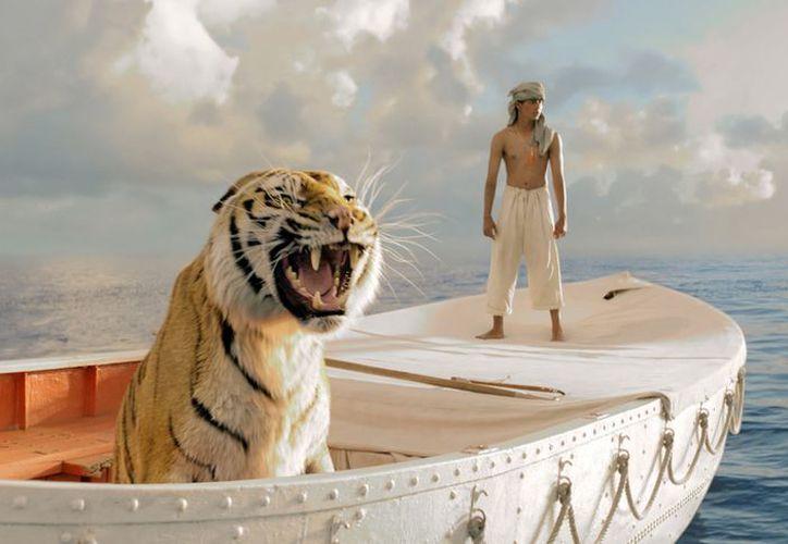 """Imagen proporcionada por la 20th Century Fox que muestra a Suraj Sharma en una escena de la película """"Life of Pi"""", nominada a mejor edición. (Agencias)"""