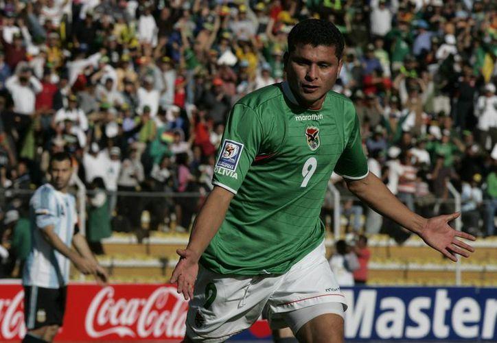 Joaquín Botero, poseedor de un récord mundial de goleo y máximo goleador de la Selección de Bolivia puso punto final a su carrera deportiva. (EFE)