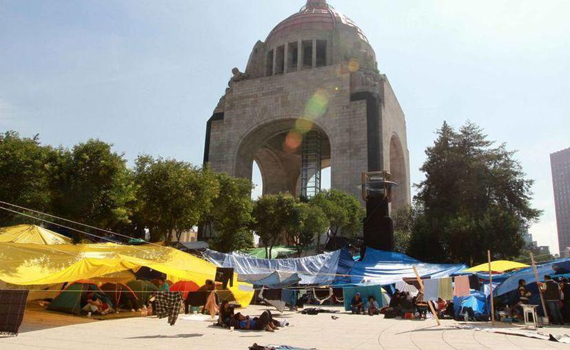 Los manifestantes de la CNTE llegaron al Monumento a la Revolución tras ser desalojados del Zócalo el 13 de septiembre. (Notimex/Foto de archivo)