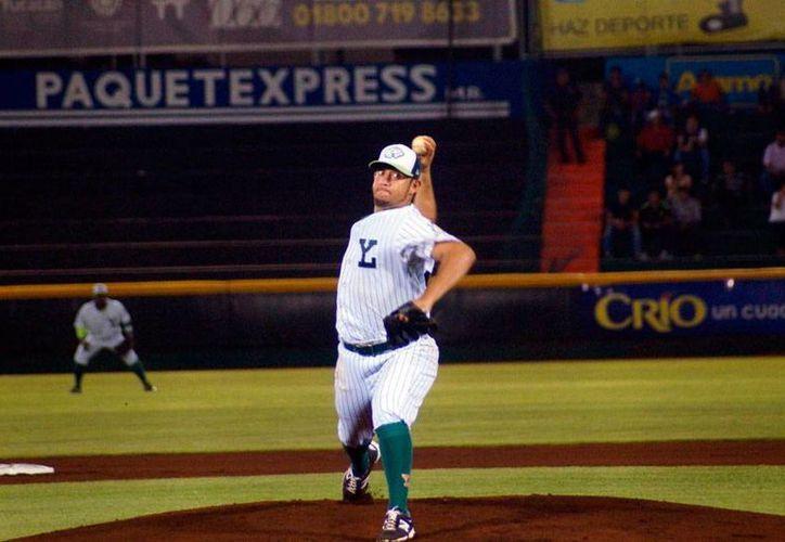 Leones sacará sus mejores cartas de pitcheo para derrotar a unos motivados Tigres de Quintana Roo, en el segundo clásico peninsular que se da en este fase final de la temporada 2015 de la Liga Mexicana de Beisbol. (César González/SIPSE)
