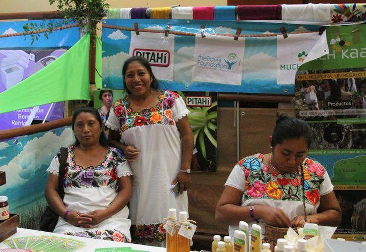 La Expo da espacio a vendedores de productos artesanales de comunidades locales.  (María Mauricio/SIPSE)