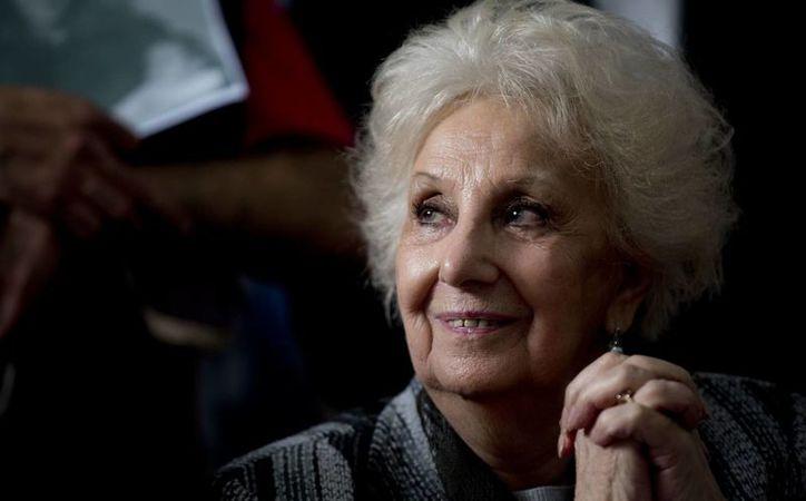 Estela de Carlotto, presidenta de las Abuelas, anunció la recuperación del nieto número 121 de todos los desaparecidos durante la dictadura. (AP/Natacha Pisarenko)
