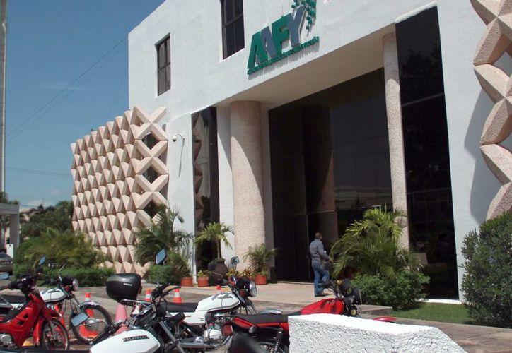 La Secretaría de Administración y Finanzas convocó a todos los bancos para que acudan a la invitación para la contratación de un crédito multimillonario para el Gobierno del Estado. (Milenio Novedades)