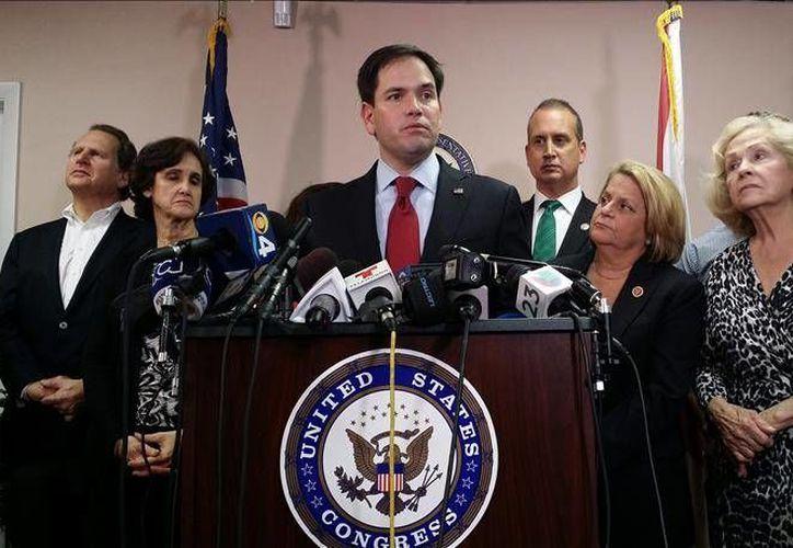 Legisladores republicanos del estado de Florida y exiliados cubanos se unieron contra la restauración de las relaciones diplomáticas de Washington con la isla. (EFE)