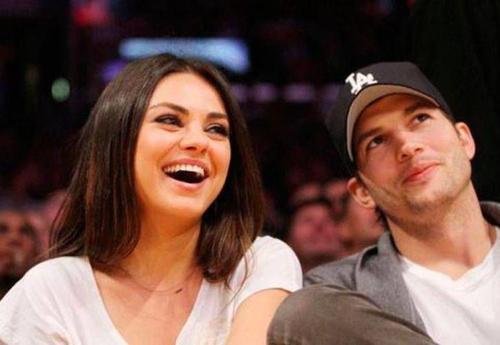 Mila Kunis y Ashton Kutcher se casarán esta misma semana, en Los Ángeles, en una ceremonia privada. (Ansa Latina)