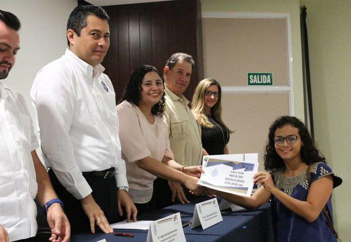 65 estudiantes de la UADY fueron elegidos para realizar estancias académicas en instituciones nacionales y extranjeras. (Milenio Novedades)