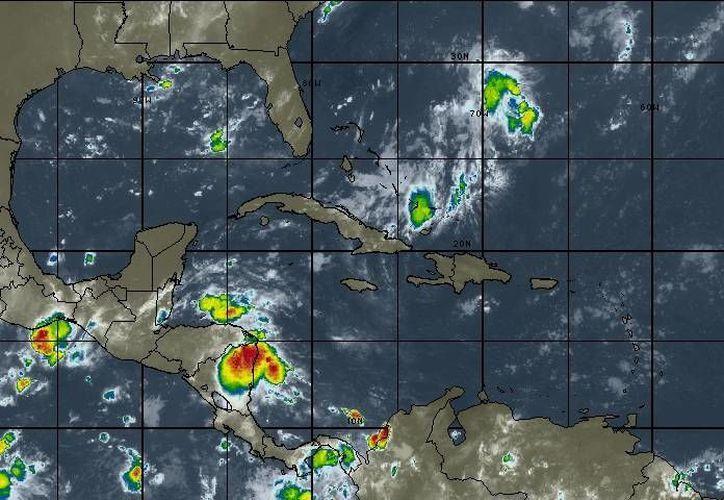 Probabilidad de tormentas puntuales fuertes. (Intellicast)