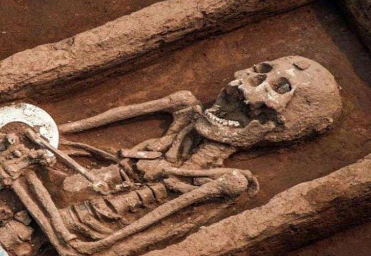 Arqueólogos encontraron en China restos fósiles de personas con un tamaño poco común para su época. (Excélsior)