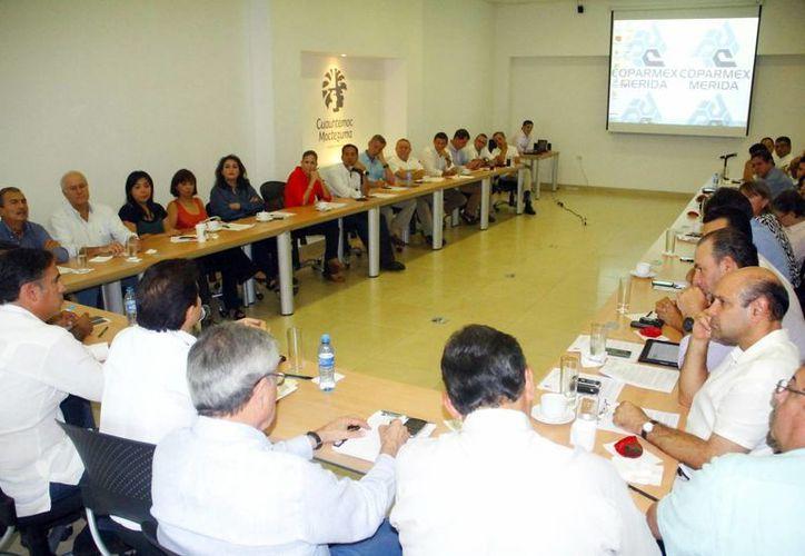 Reunión de la Confederación Patronal de la República Mexicana. (Milenio Novedades)
