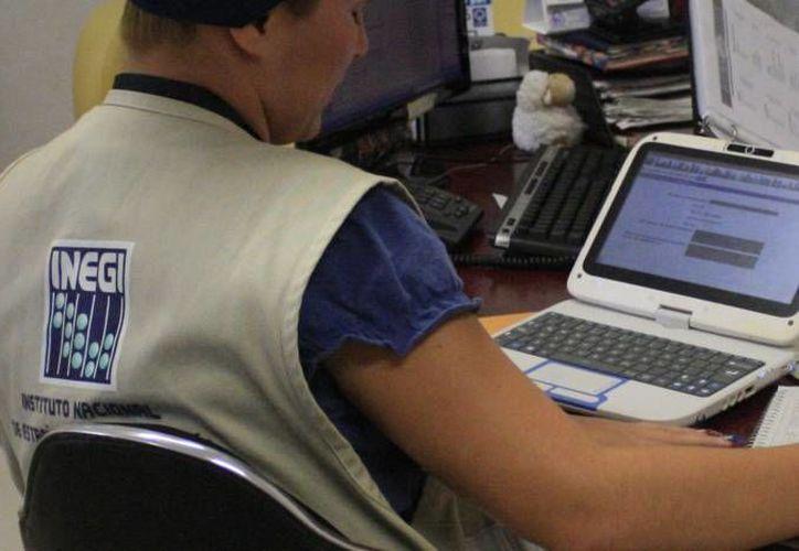 El alcalde de Cozumel y los representantes del organismo nacional se reunieron para definir las estrategias para la captación y el procesamiento de información estadística de la isla. (Redacción/SIPSE)