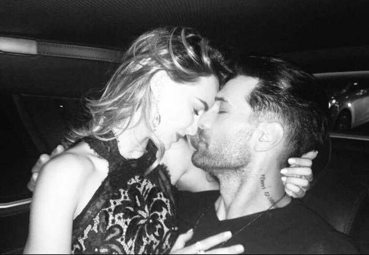 Criss Angel y Belinda ya llevan algunos meses de novios y les gusta presumir su amor en redes sociales. (Facebook)