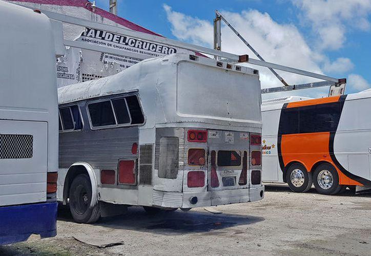 Existen más de 25 empresas de transporte de segunda en la Supermanzana 66. (Jesús Tijerina/SIPSE)