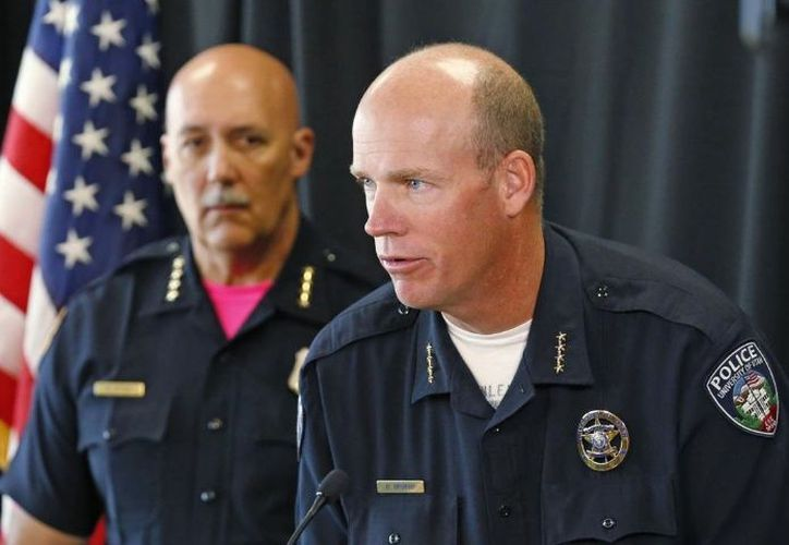 Policías persiguieron a Rowland, de 37 años, a una iglesia fuera del campus, dijo Brian Wahlin, teniente de la policía universitaria. (AP)