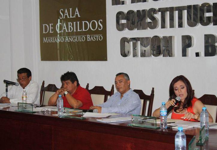 Para realizar la misma diligencia, los 14 concejales cuentan con fecha límite de domingo 7 de abril, para realizar el trámite respectivo. (Enrique Mena/SIPSE)