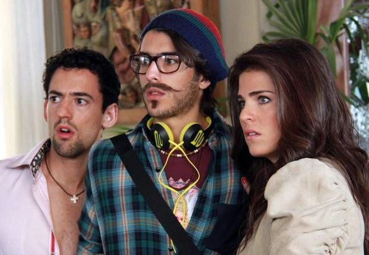 Luis G. Méndez interpreta a Javi Noble y Carlos Gastón a Peter, en Los Nobles. (Milenio Novedades)