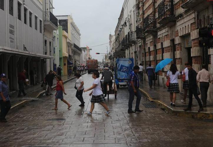 Los nublados se deben al ingreso de aire marítimo a la Península de Yucatán, así como de una vaguada al sur de la misma. (SIPSE)