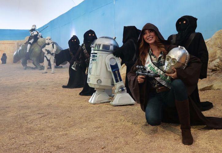 Una de las nuevas atracciones es La Aventura en las Galaxias, una muestra basada en las películas de Star Wars donde la gente podrá tomarse fotografías del recuerdo. (Fotos de Jorge Acosta/Milenio Novedades)