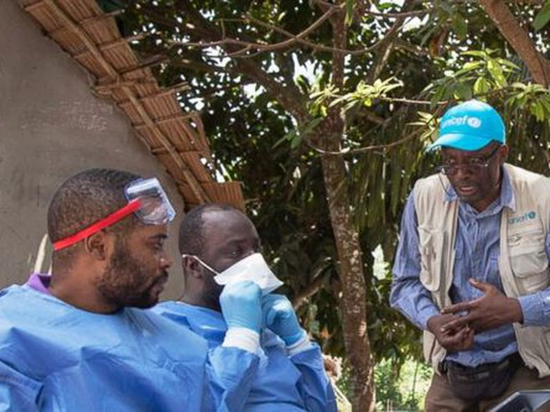 In this photo taken Friday, May 25, 2018, UNICEF staffer Jean Claude Nzengu, center, talks with members of an Ebola vaccination team as they prepare to administer the vaccine in an Ebola-affected community in the north-western city of Mbandaka, in Congo. (AP)