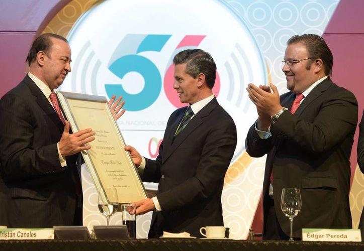 Peña Nieto dijo que México cuenta con la CIRT para impulsar la transformación de la industria. (Notimex)