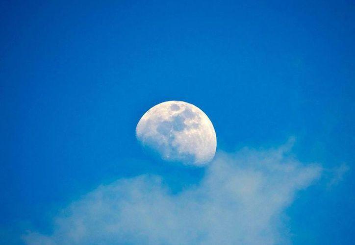 Este sábado 11 de febrero, en coincidencia con la Luna de Nieve, un eclipse dejará 'a oscuras' el satélite natural de la Tierra. La imagen está utilizada sólo con fines ilustrativos. (Eduardo Vargas/SIPSE.com)