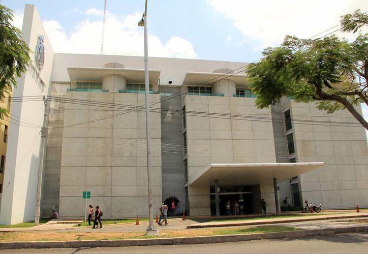 No obstante el problema legal en la administración, la Clínica de Mérida opera de manera normal. (Milenio Novedades)