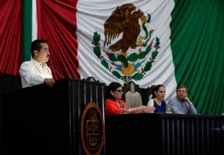 El diputado José Ángel Chacón Arcos, presidente de la Comisión de Desarrollo Indígena del Congreso de Q. Roo. (Cortesía/SIPSE)