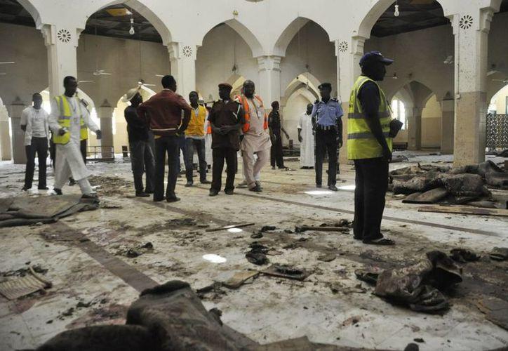 La organización Boko Haram no se ha atribuido responsabilidad por el ataque en la importante mezquita de Kano, pero el ataque tiene todas las características de los lanzados por ese grupo extremista. (Foto: AP)