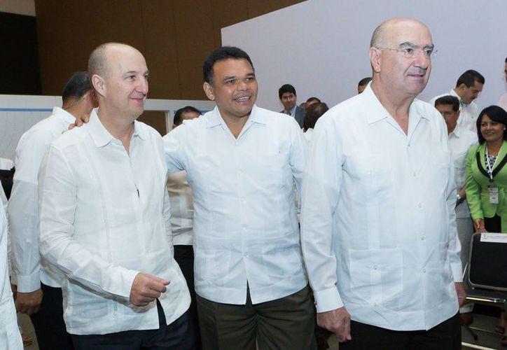 Este jueves el gobernador Rolando Zapata entregará  premios al Mérito Filantrópico de Yucatán 2014. (SIPSE)