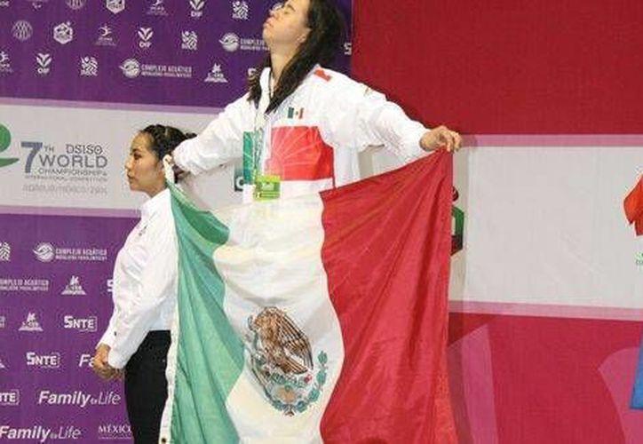 Mariana Escamilla (foto), Paola Veloz, Feliza González y Dunia Camacho ganaron para México la medalla de oro en la prueba de relevos de 800 metros estilo libre en el Mundial de Paranatación que se celebra en Morelia. (Cortesía)