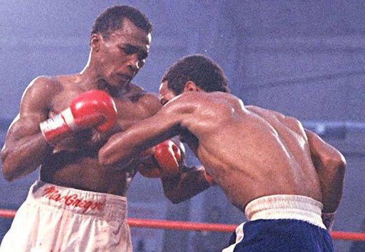 Benítez se convirtió a los 17 años en el boxeador más joven en obtener un título mundial. (Agencias)