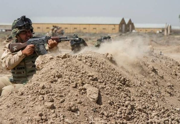 Según reconoce el Pentágono, las fuerzas armadas de Irak, apoyadas por EU y sus aliados, se han mostrado como la parte más débil en la guerra contra el Estado Islámico. (Reuters)