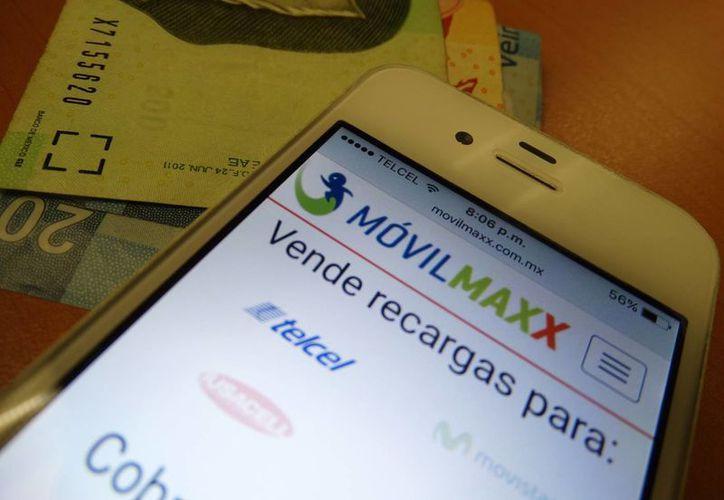 La venta de tiempo aire desde el celular no requiere de mucha inversión. (Foto: SIPSE)