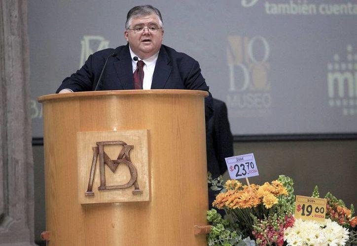 """Agustín Carstens aseveró que respecto a las proyecciones de crecimiento del PIB para 2015 """"no hay modificaciones"""". (Notimex)"""
