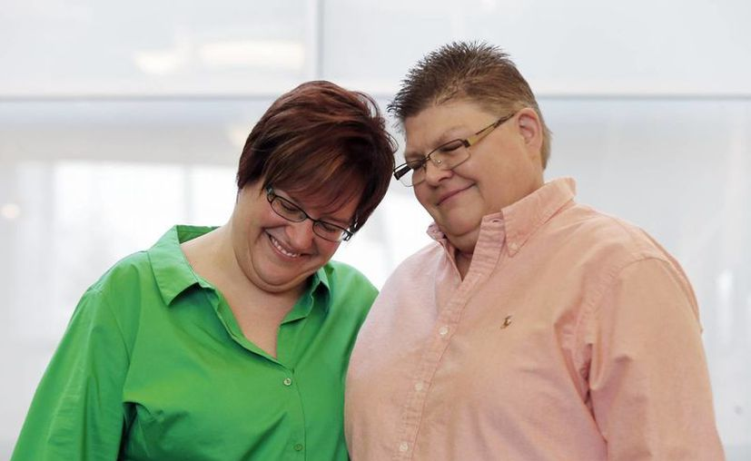 April DeBoe y Jayne Rowse afirmaron que la prohibición violaba sus derechos. (Agencias)
