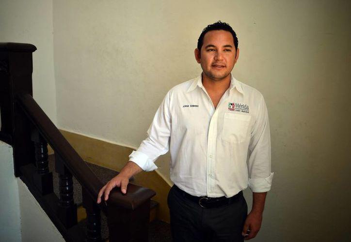 Jorge Augusto Sobrino Argáez, dirigente municipal del PRI, confía en la estructura de su partido para las elecciones 2015. (Milenio Novedades)